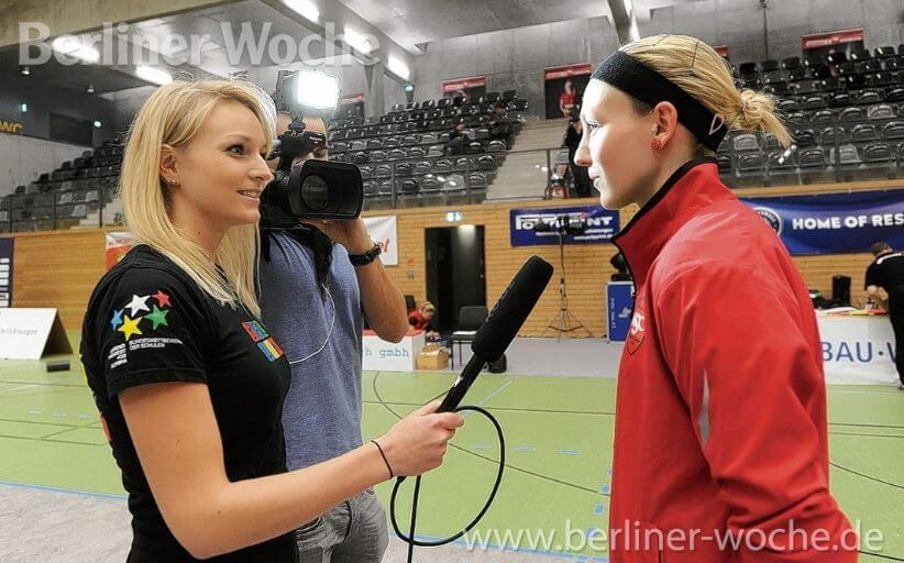 Hauptstadtsport.TV Moderatorin beim Interview
